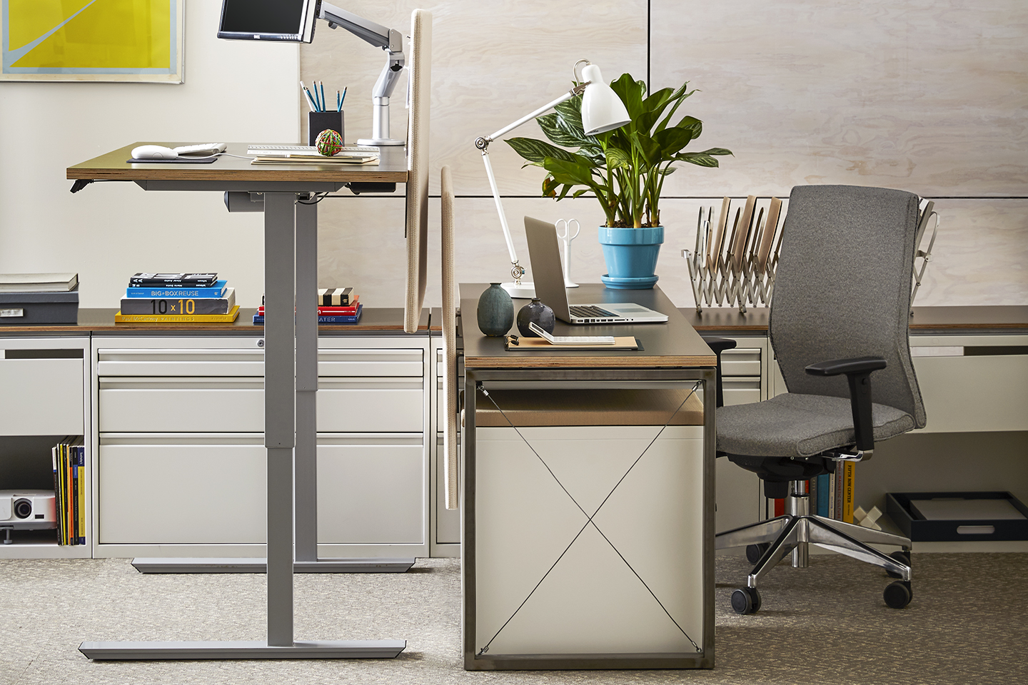 Major Furniture And Ergonomic Accessory Manufacturers Are Developing New  Products That Give Office Professionals The Opportunity To Stand While ...